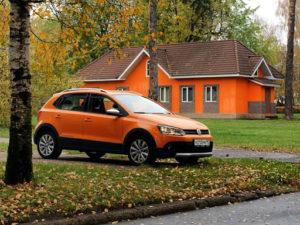 Volkswagen Cross Polo (вид сбоку)