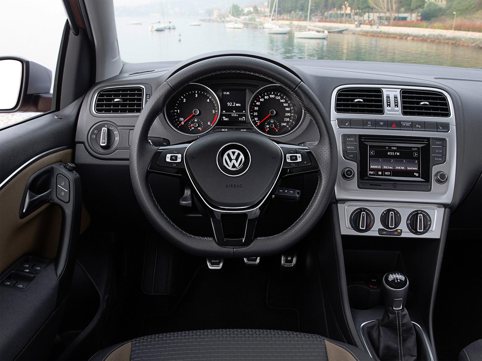 Салон VW Cross Polo