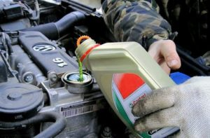 Какое масло заливать в двигатель машины Фольксваген Поло