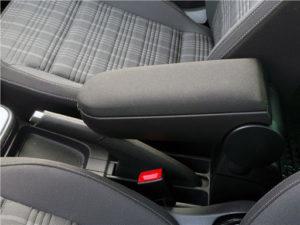 Серый подлокотник на Фольксваген Поло седан
