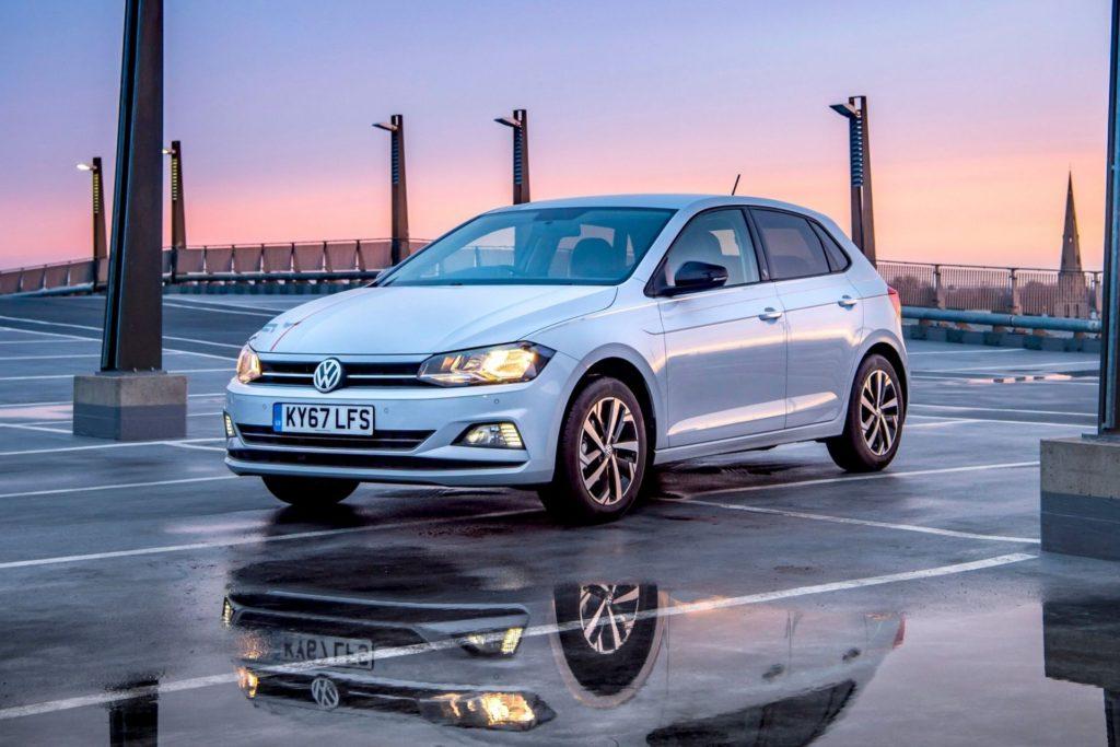 VW Polo хэтчбек в городской среде