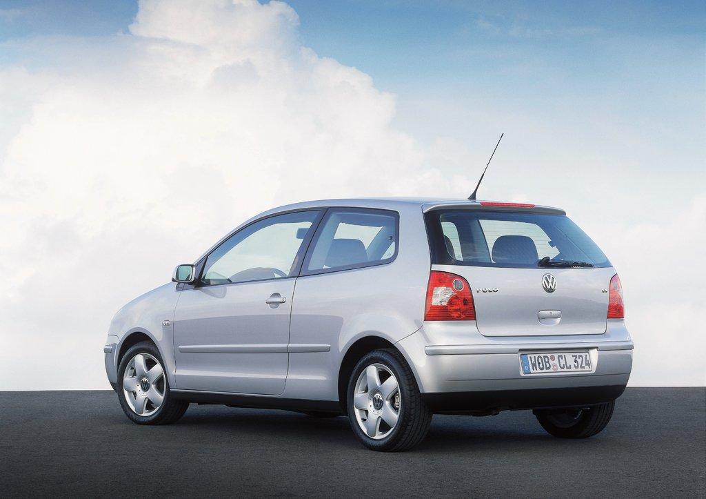 VW Polo IV (вид сзади)