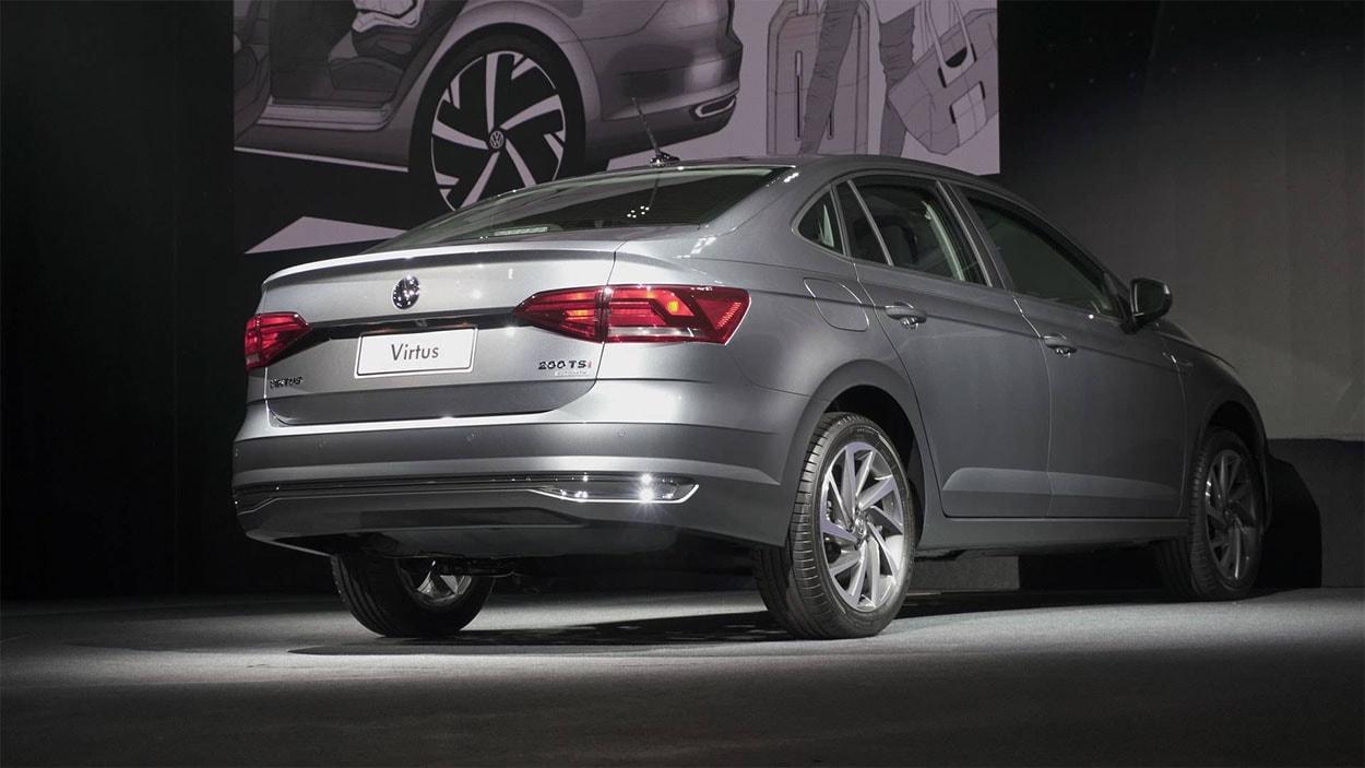 VW Виртус (вид сзади и сбоку)