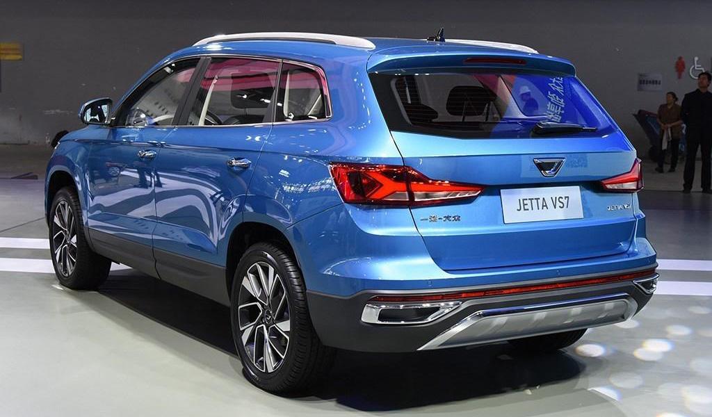 Фото Volkswagen Jetta VS7 (вид сзади)
