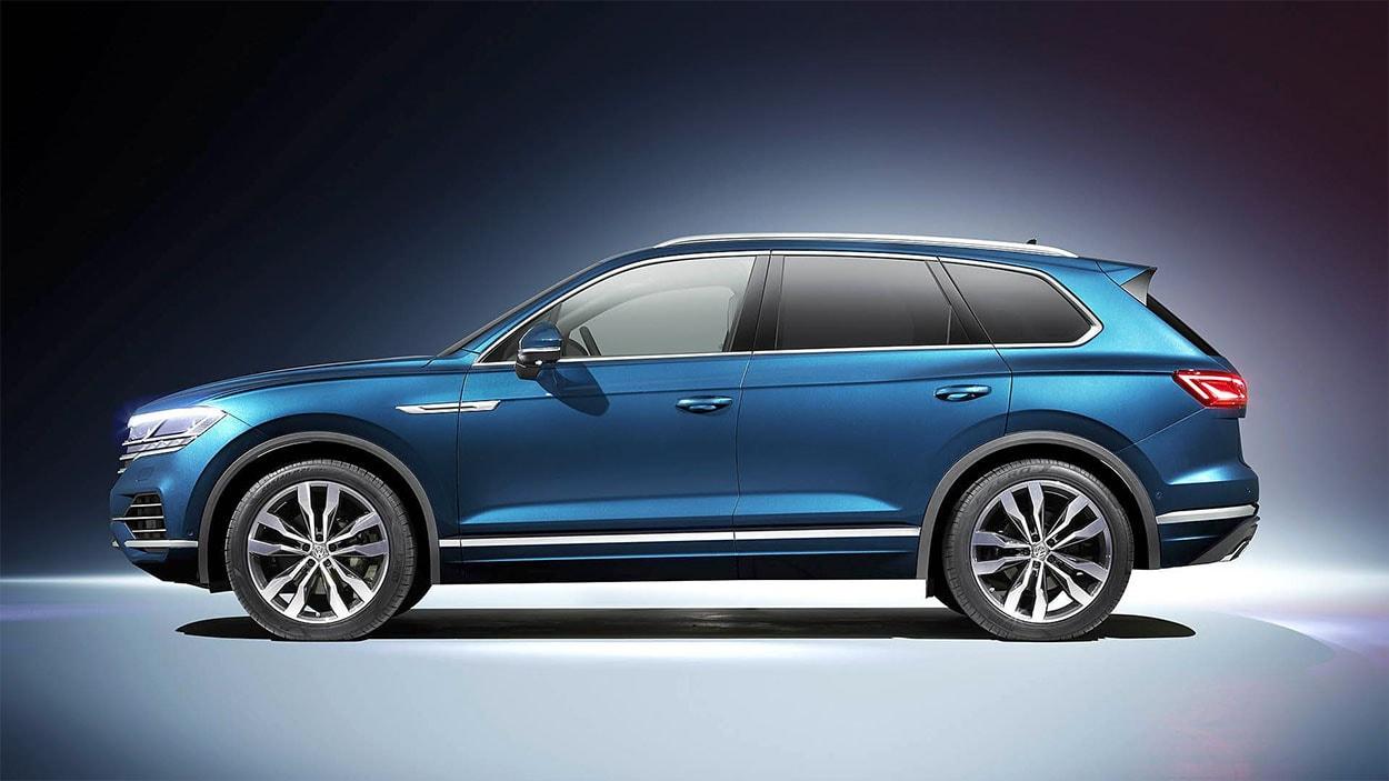 Фото Volkswagen Touareg 3 в профиль