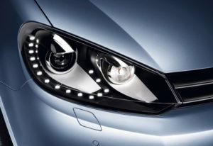 Как снять фары с автомобиля Volkswagen Golf 6