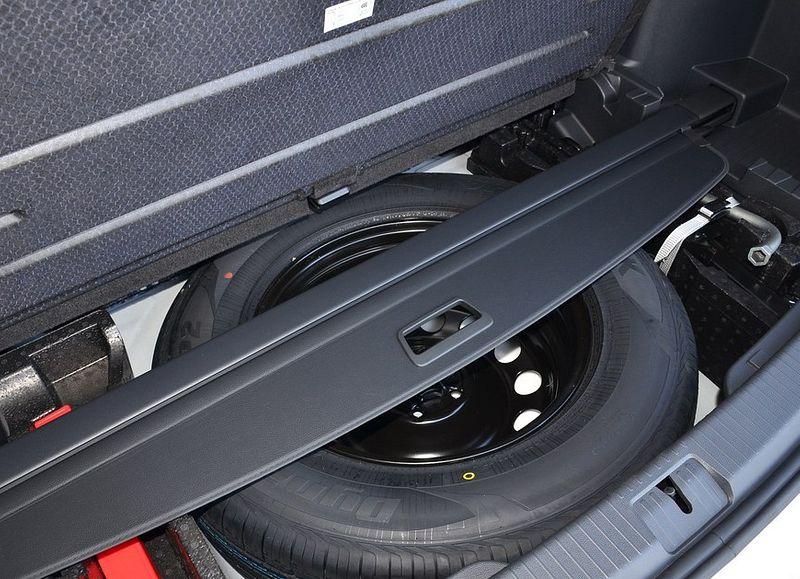 Расположение и вид запаски в Volkswagen Teramont 2020