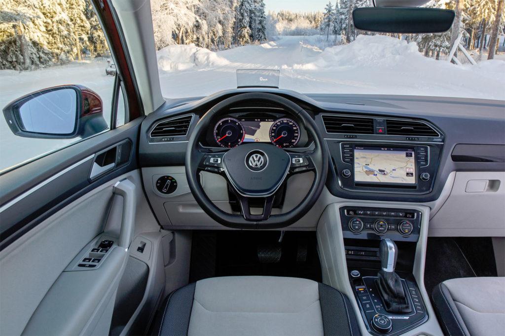 Салон Volkswagen Tiguan 220 л.с.