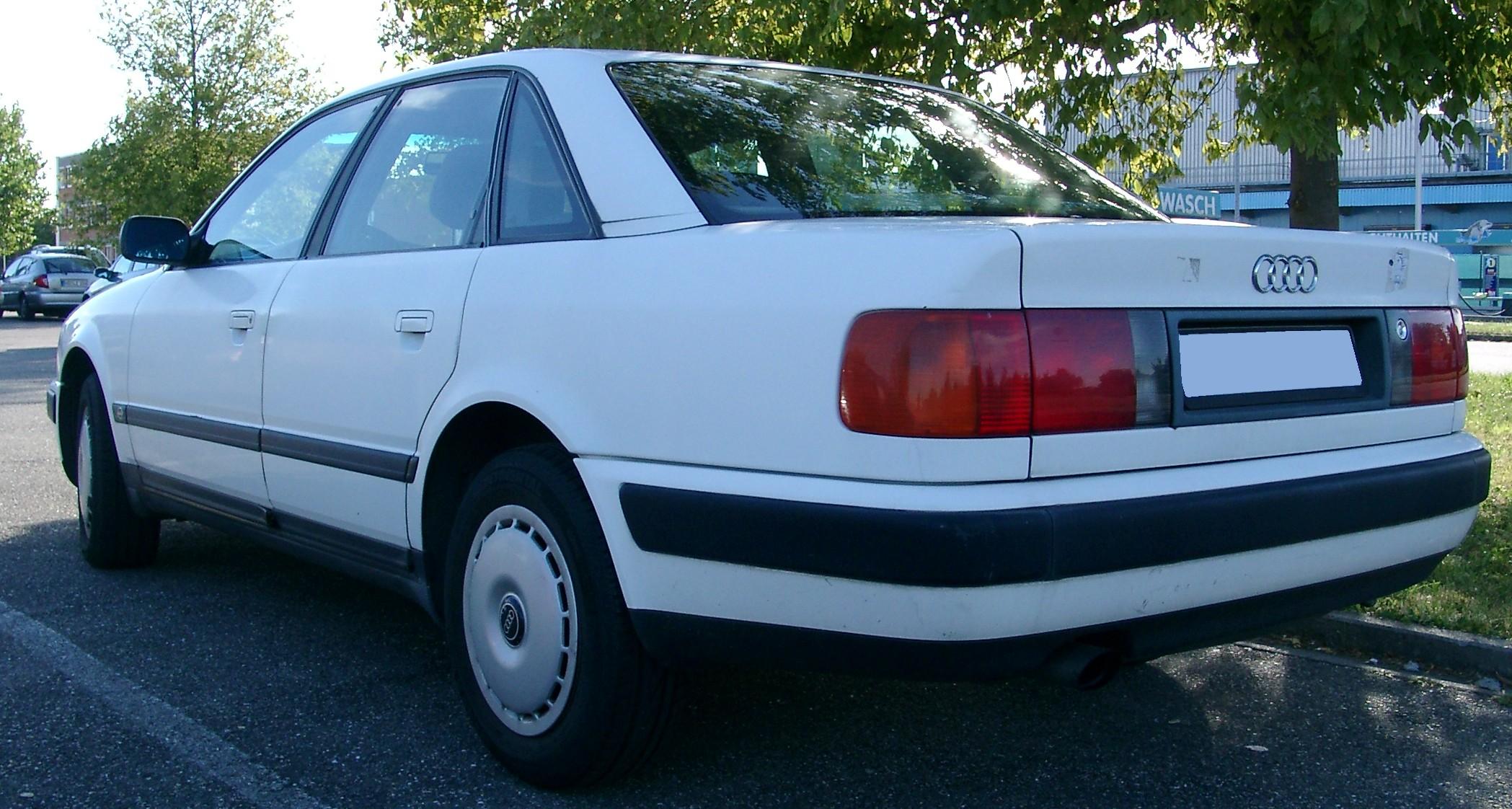 Audi 100 C4 (вид сзади и сбоку)