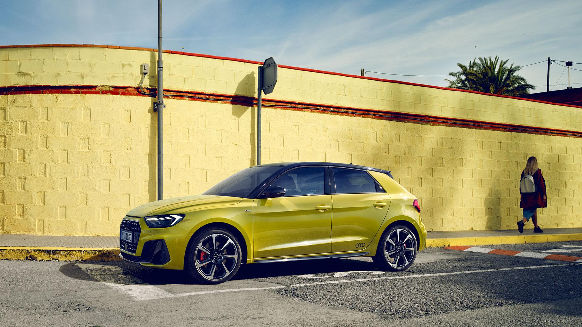Audi A1 Sportback 2019 года в профиль