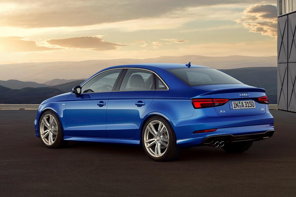 Audi A3 2019 в синем цвете