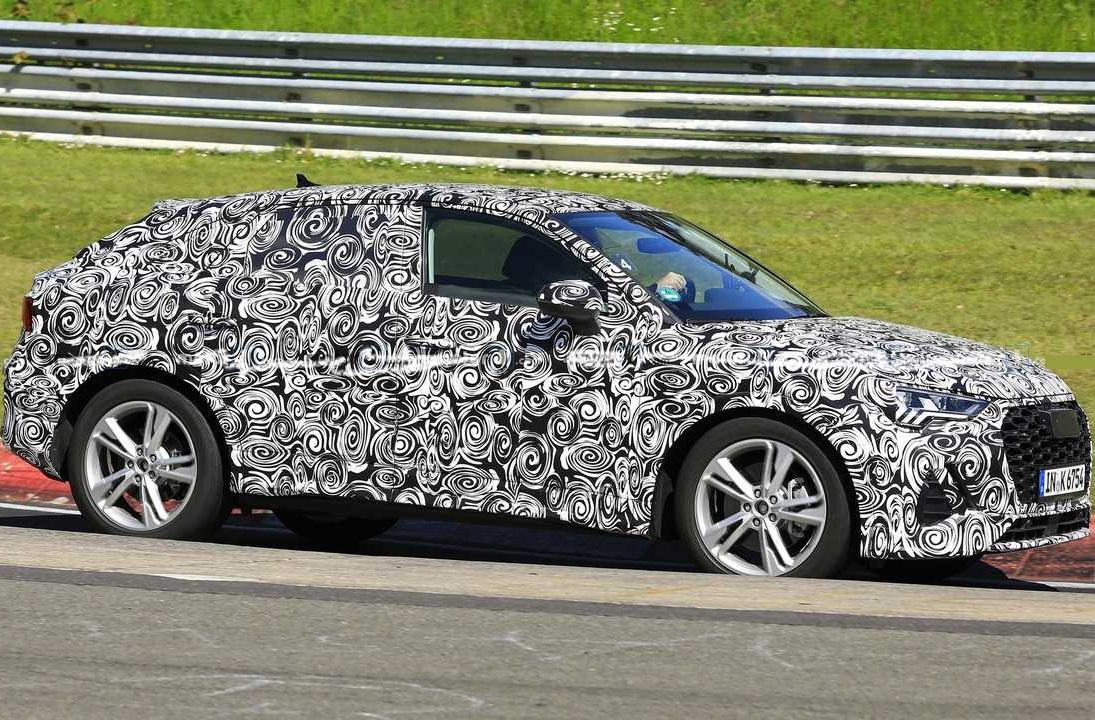 Audi Q4 на тестах