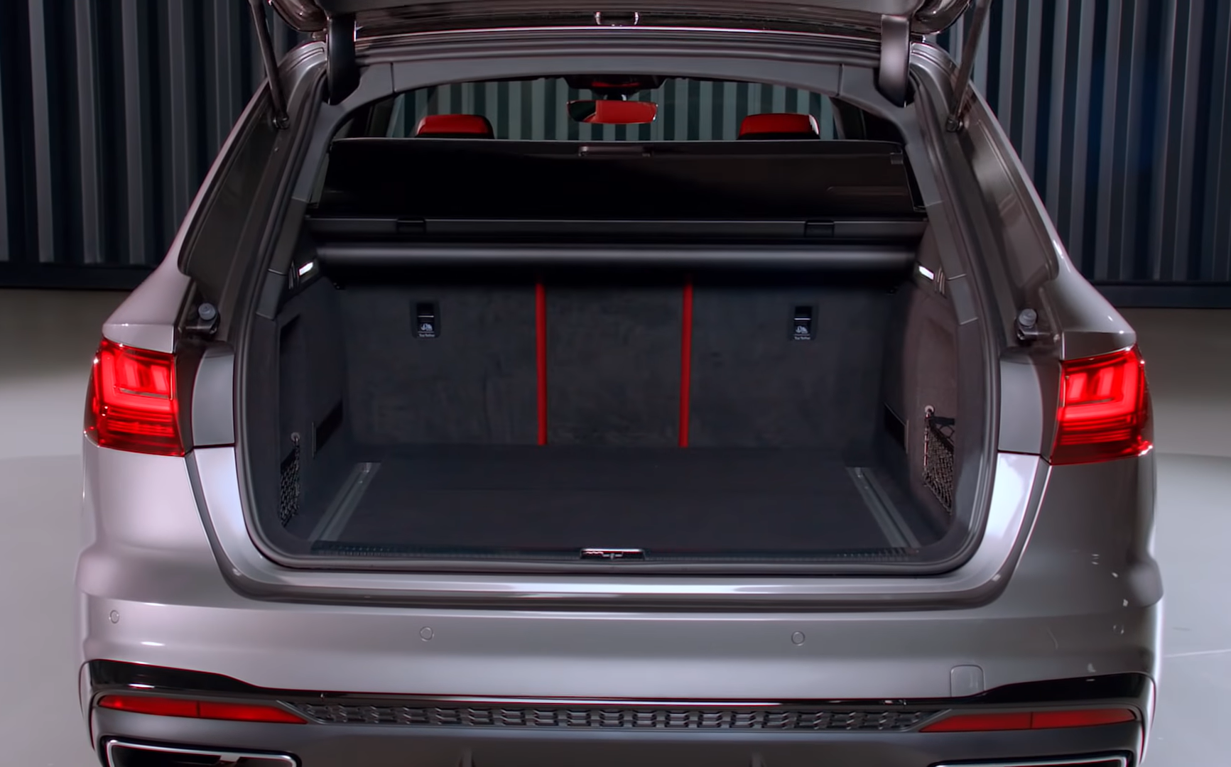 Багажник Ауди А4 2020 (фото)