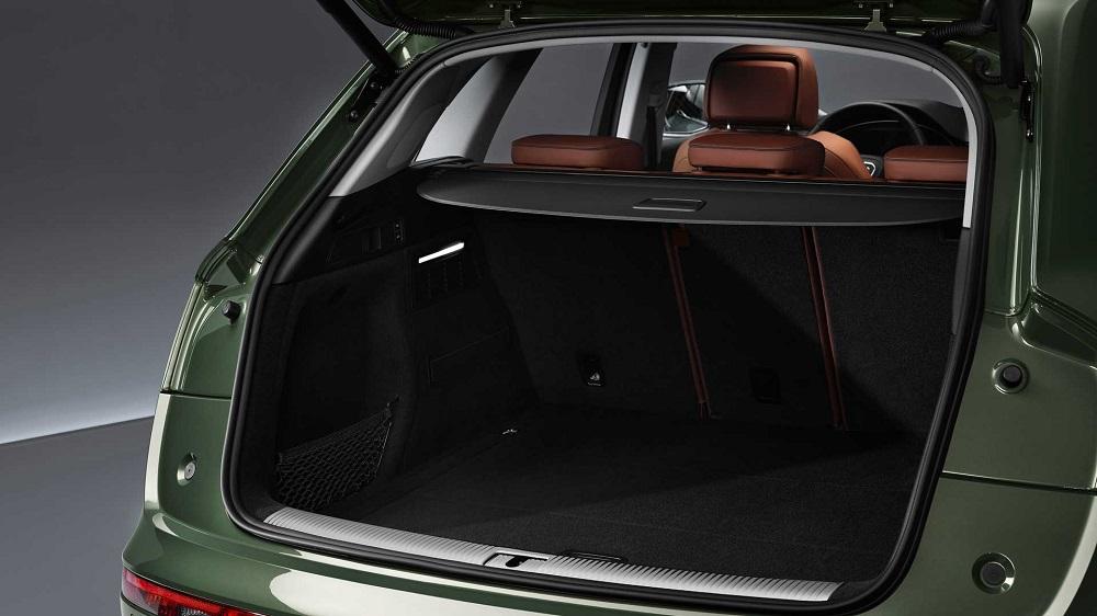 Багажник в Audi Q5