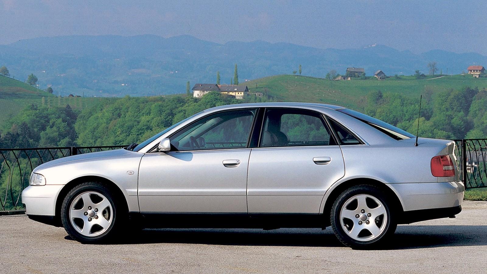 Фото Audi A4 B5 в профиль