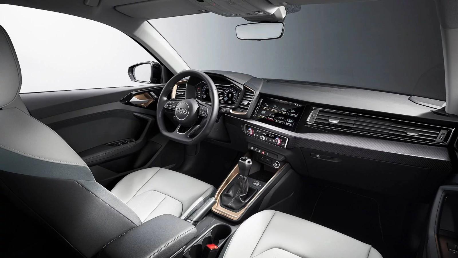 Интерьер Audi A1 Sportback 2019