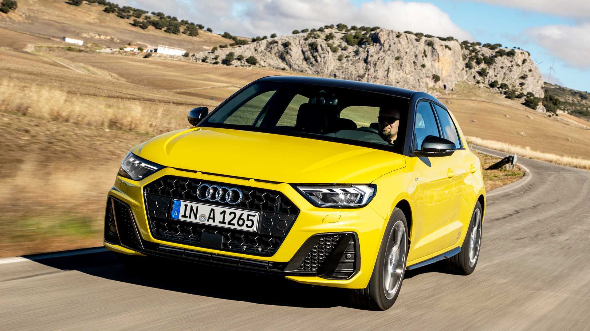 Новый Audi A1 в желтом цвете (фото)