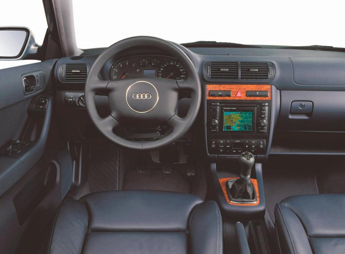 Салон Audi A3 8L