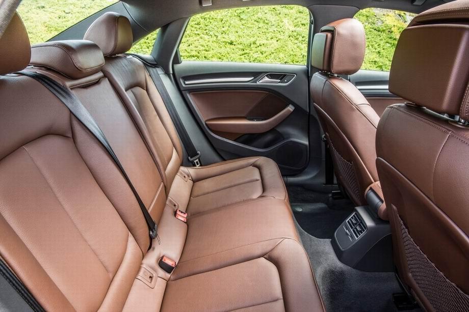 Задний ряд сидений в Audi A3 2019
