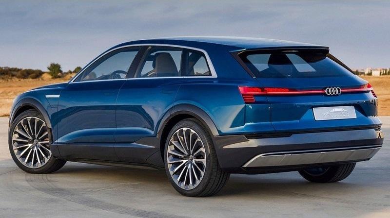 Audi Q6 (вид сбоку и сзади)