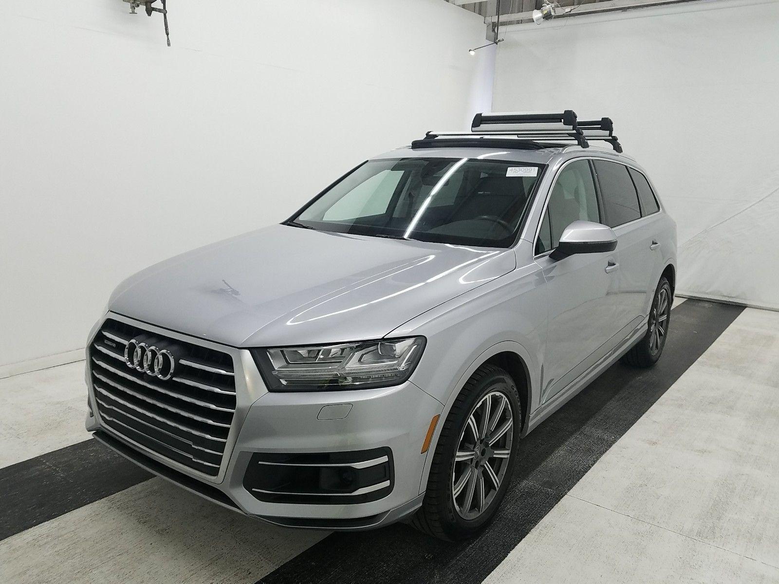 Audi Q7 2018 в белом цвете