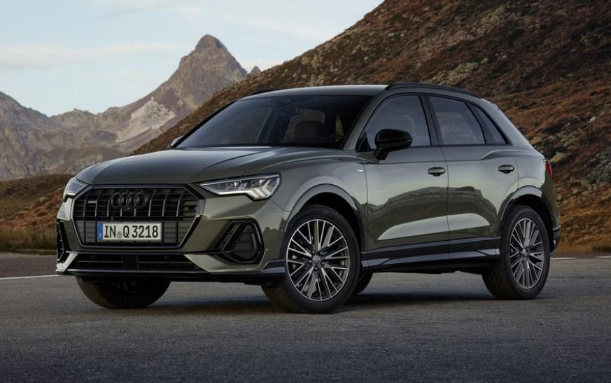Черный Audi Q3 2019