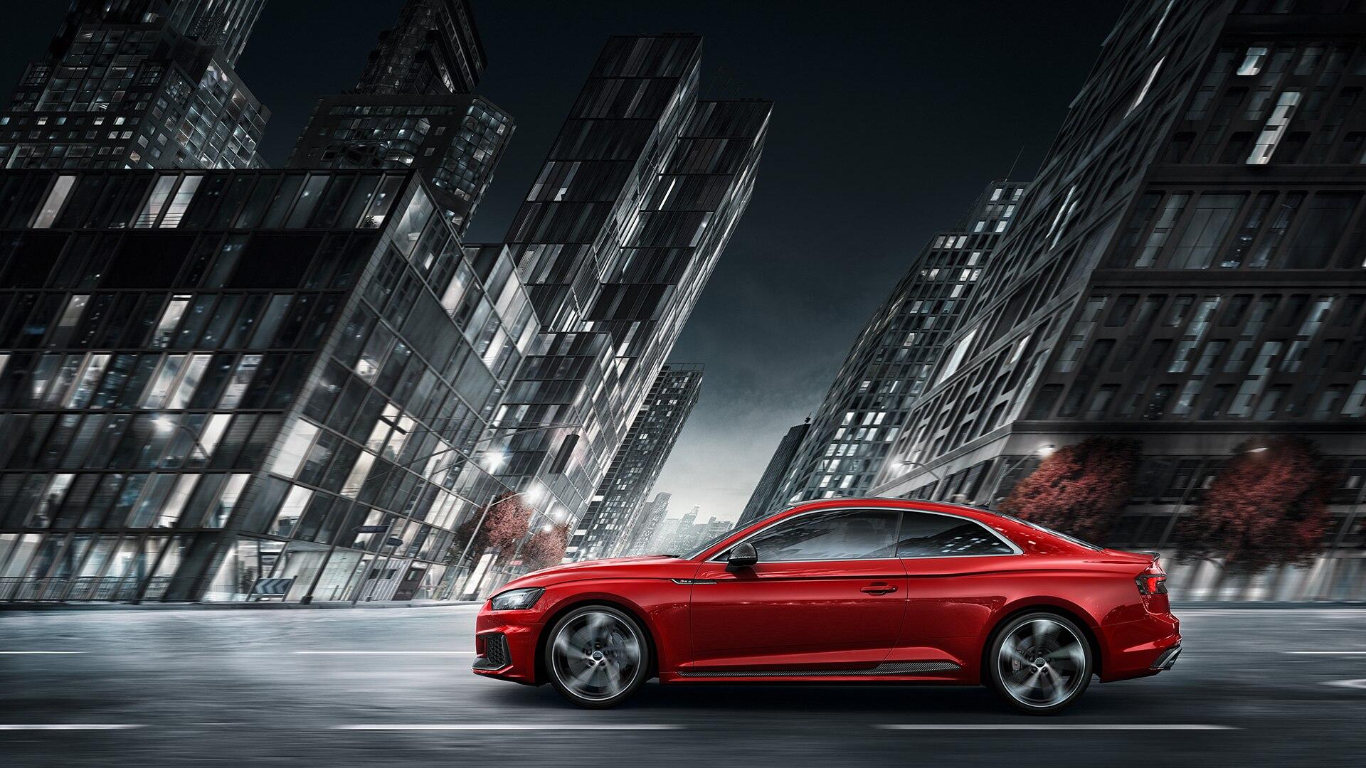 Фото Audi RS5 Coupe в профиль
