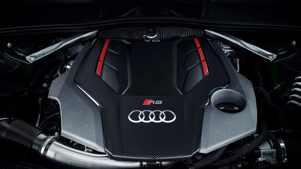 Под капотом у Audi RS5 Coupe