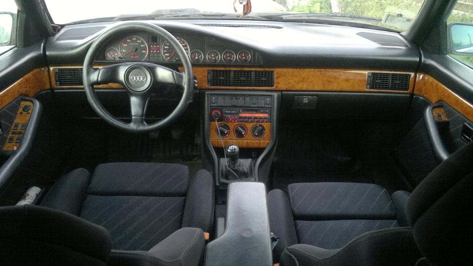 Салон Audi 200