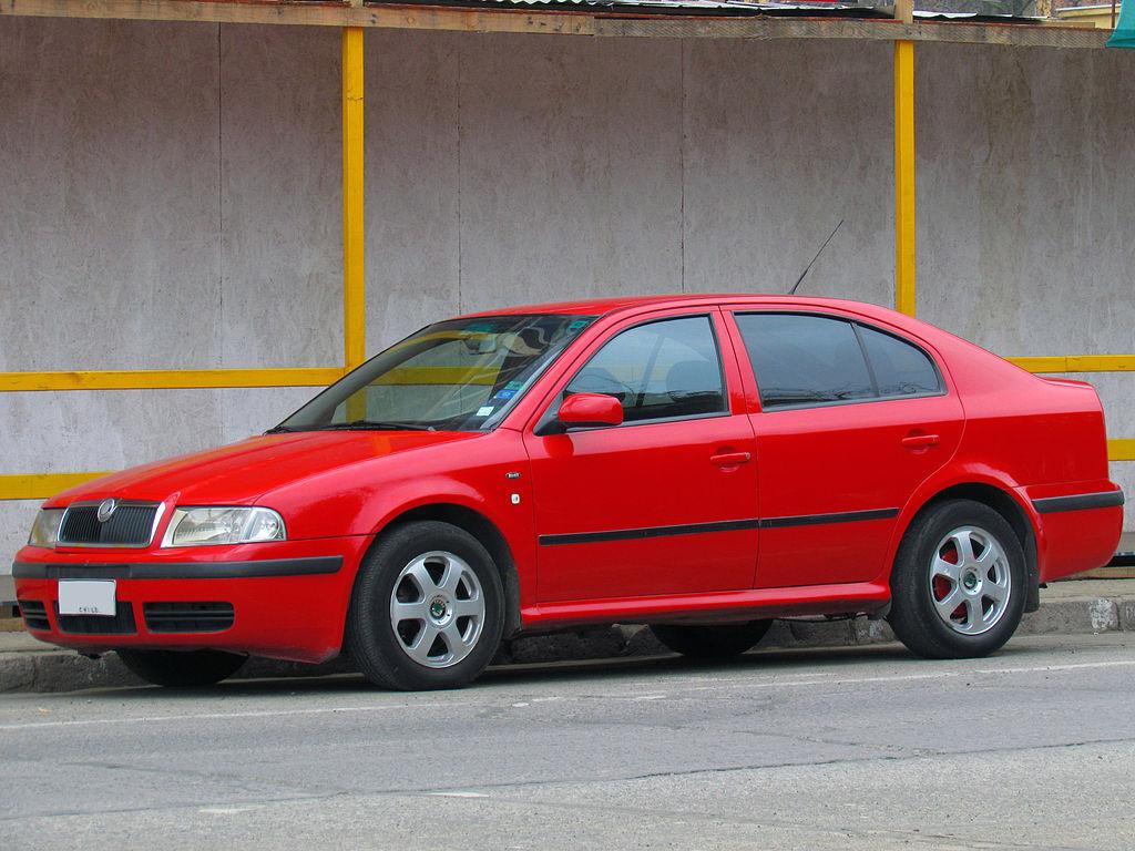 Фото красной Skoda Octavia 1.9 TDi Ambiente 2004