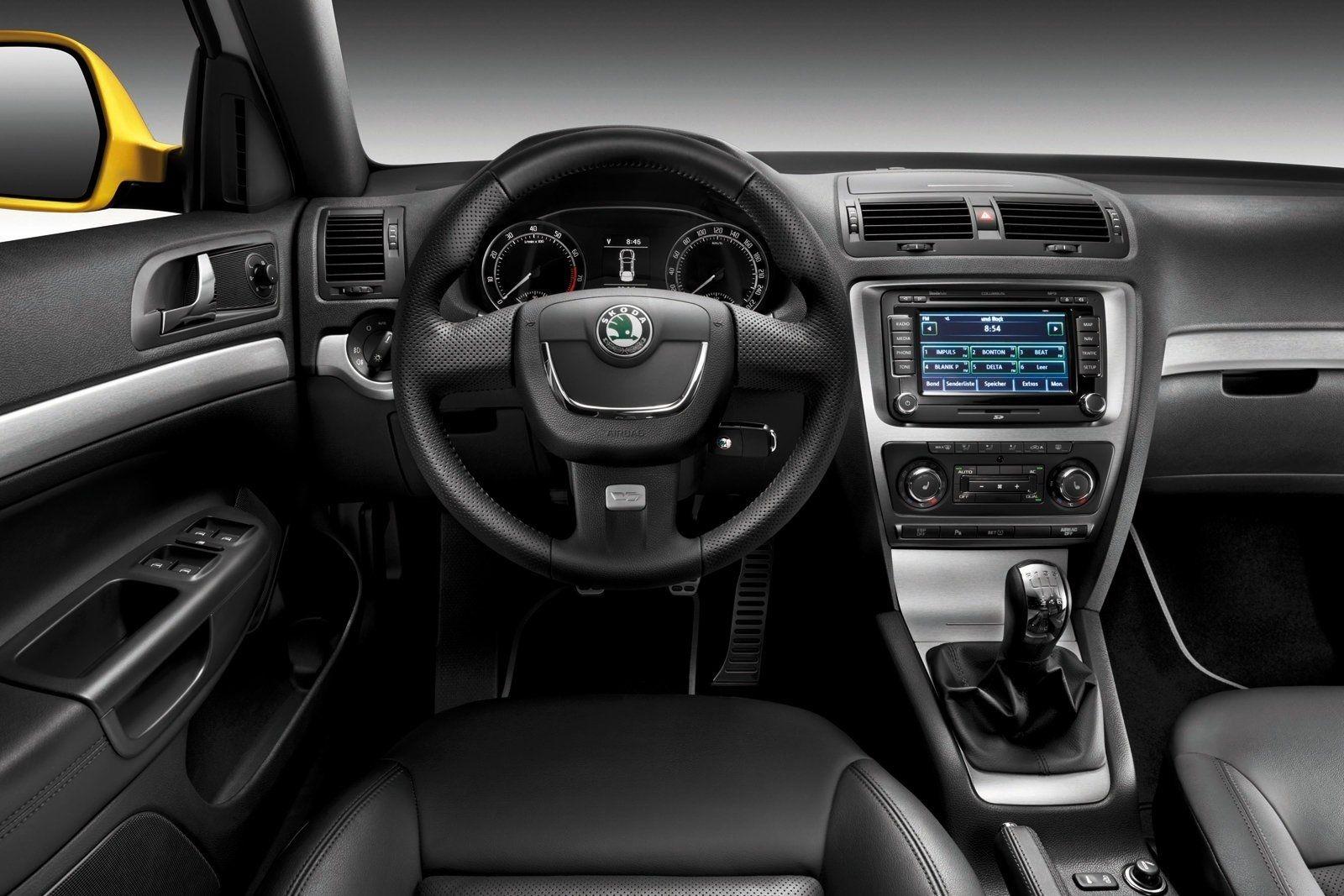 Фото салона Skoda Octavia RS A5