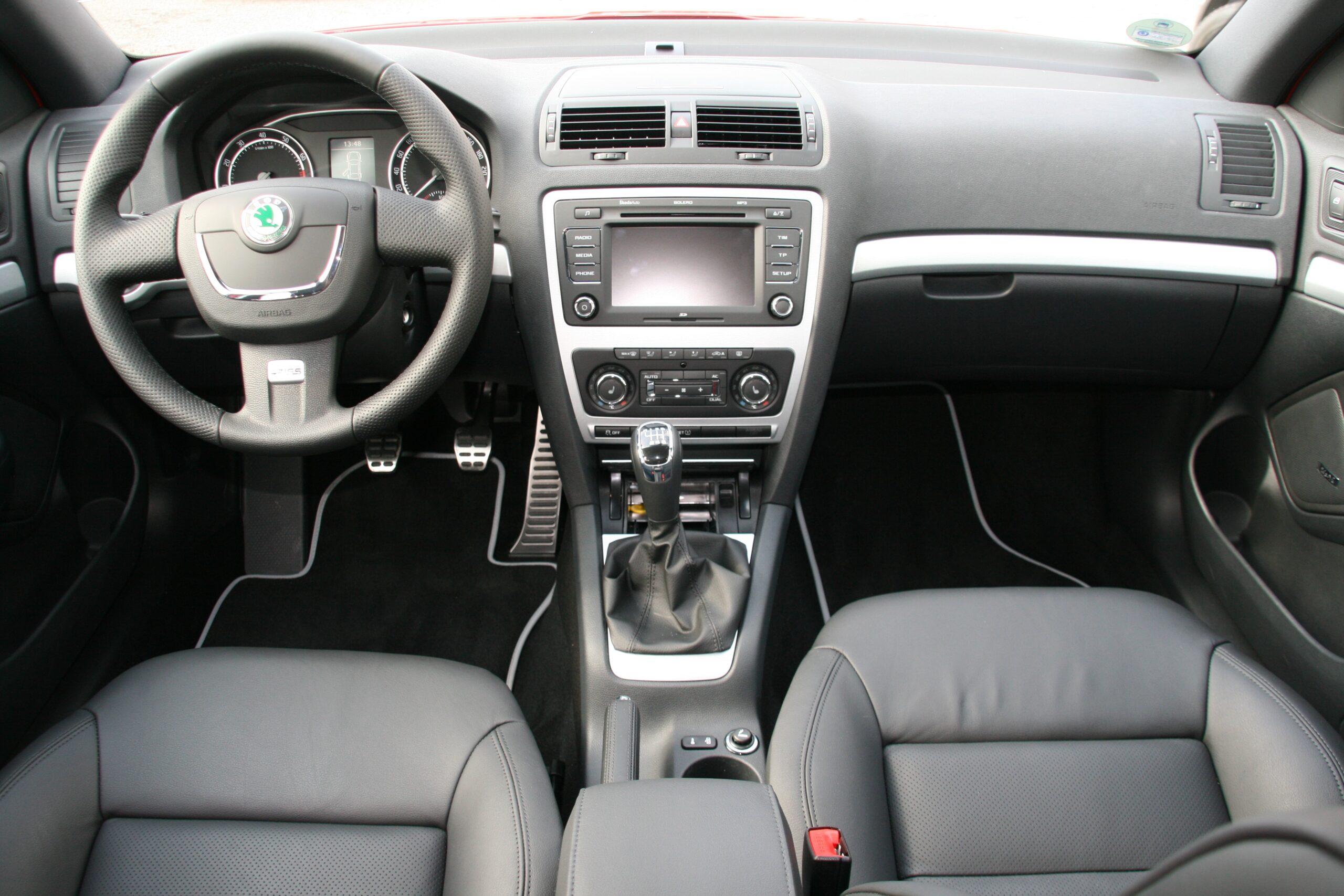 Интерьер Skoda Octavia RS 2011