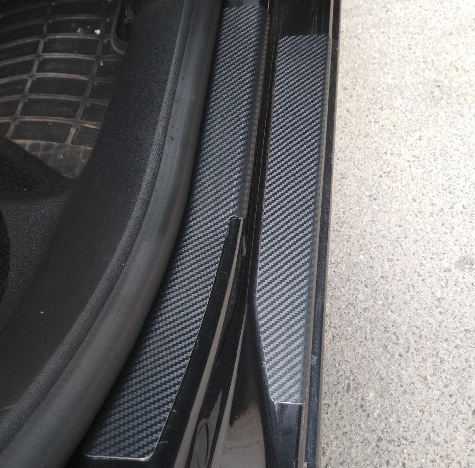 Накладки на пороги для Шкода Октавия А5 Skoda Octavia A5 c нанесением карбон-пленки