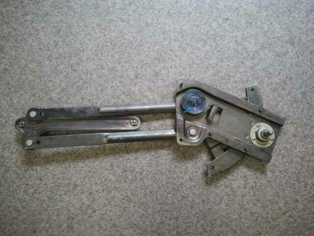 Стеклоподъёмное устройство на Skoda Octavia, обозначаемой индексом A5