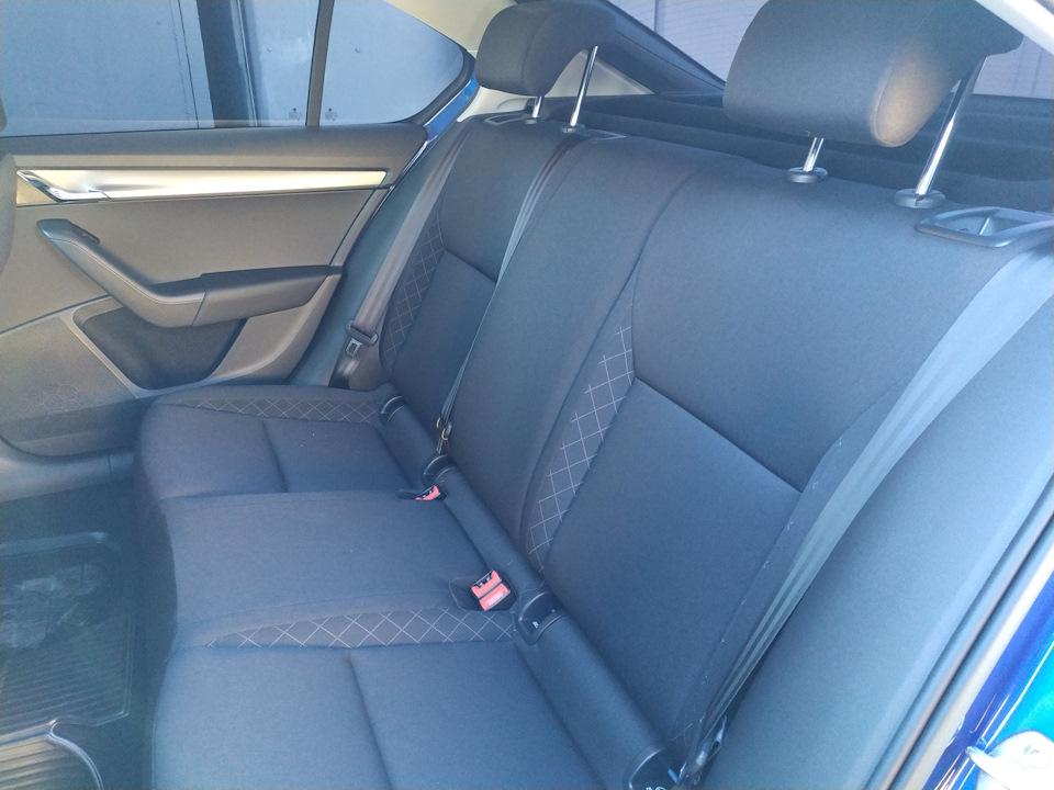 Задний ряд сидений в Skoda Octavia AT Active