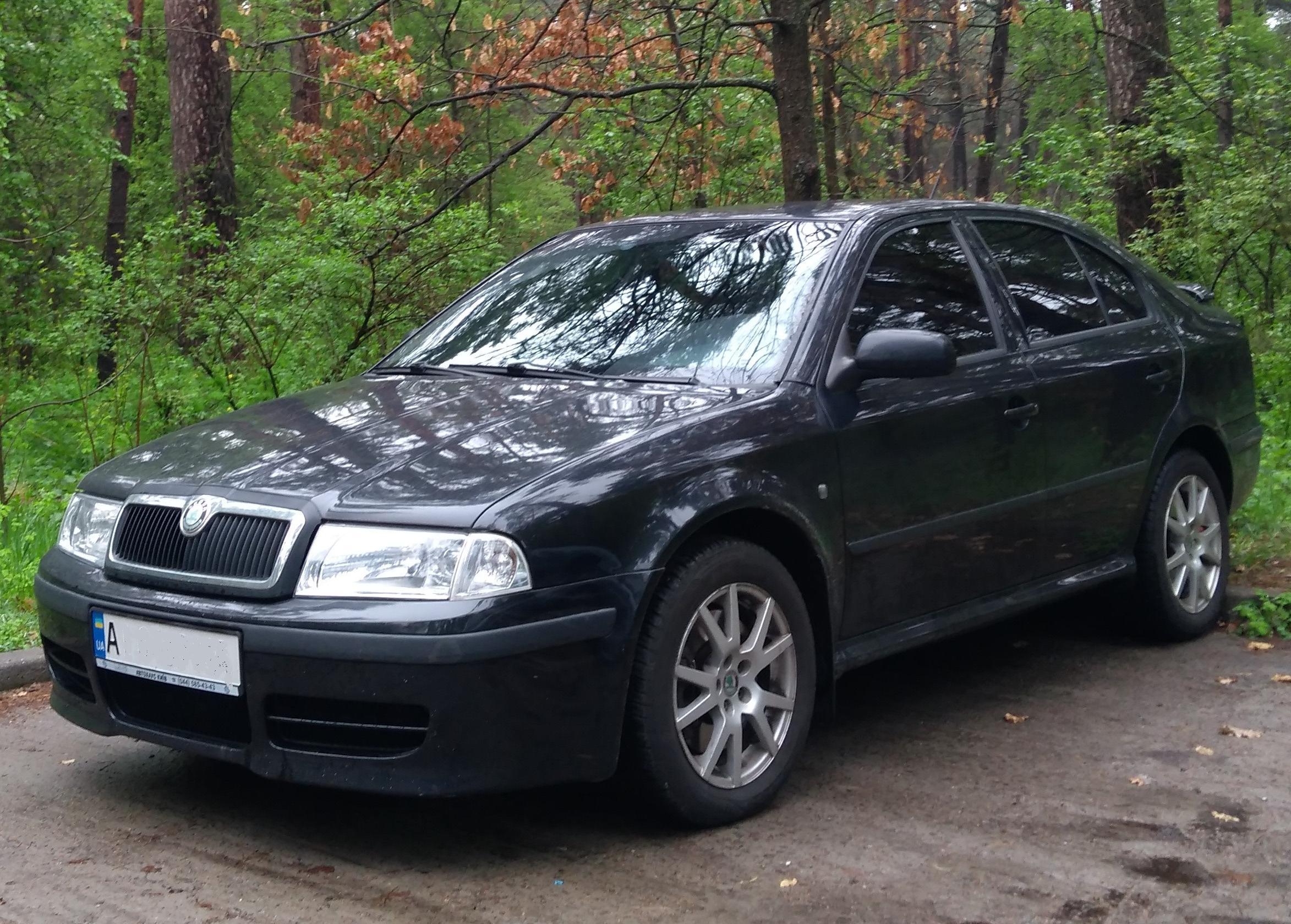 Skoda Octavia A4 в черном цвете