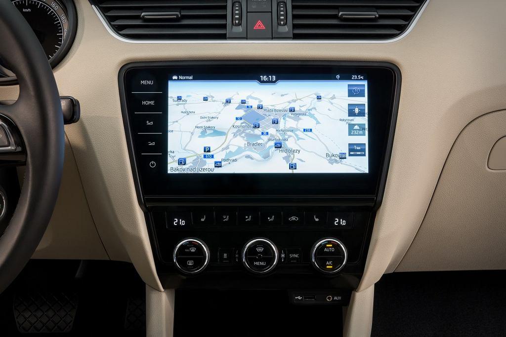 Мультимедийная система в Skoda Octavia FL