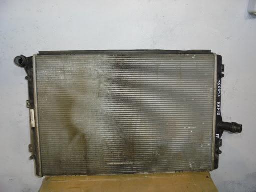 Радиатор охлаждения со Шкода Октавия А7