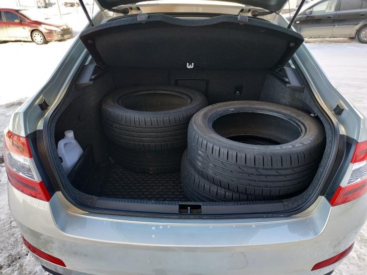 Вместительный багажник Шкода Октавия А7